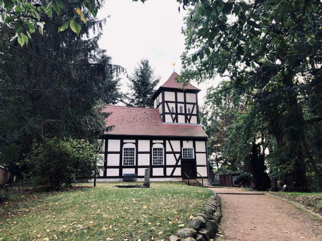 Makler Ferch 14548: Fercher Fischerkirche an der Beelitzer Straße
