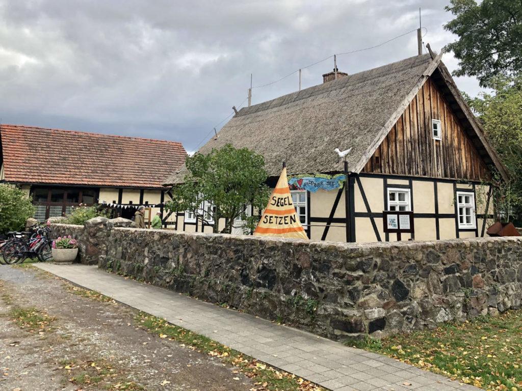 Makler Kähnsdorf: Kulturscheune und Heimatstube