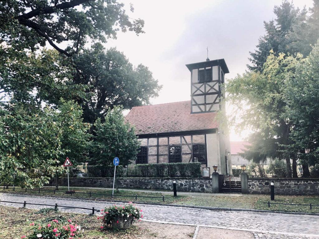 Makler Michendorf: Dorfkirche in der Schmerberger Strasse