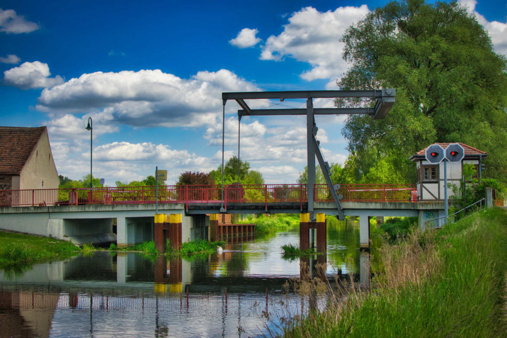 Makler Niederfinow 16248: Zugbrücke