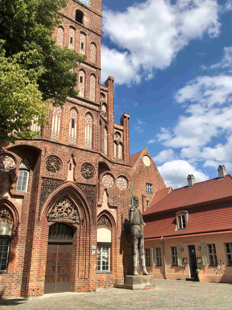 Makler Brandenburg an der Havel: Altstädtisches Rathaus mit Roland