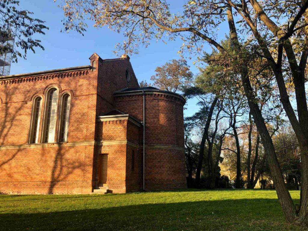 Makler Brieselang 14656: Dorfkirche Bredow
