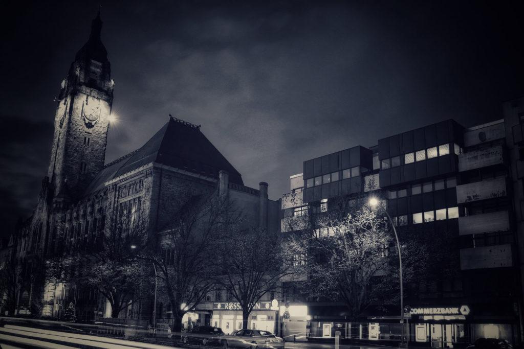 Makler Charlottenburg - Rathaus Otto-Suhr-Allee
