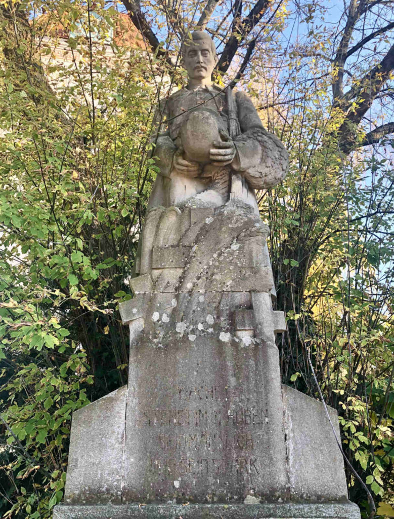 Makler Dallgow-Döberitz 14624: Kriegerdenkmal