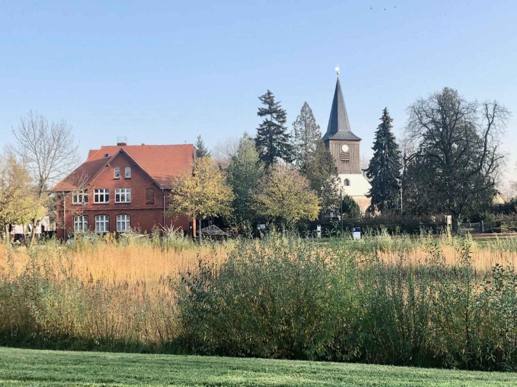 Makler Falkensee 14612: Dorfkirche und Anger Falkenhagen
