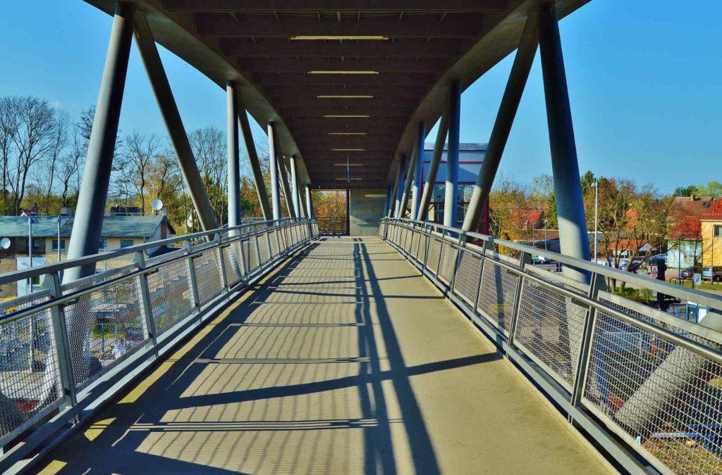 Makler Märkisch-Oderland: Bahnbrücke in Fredersdorf-Vogelsdorf
