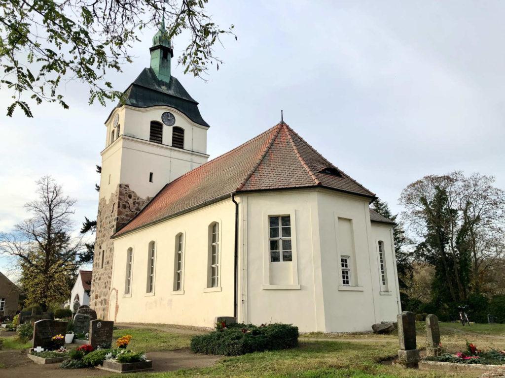Makler Jeserig - Dorfkirche