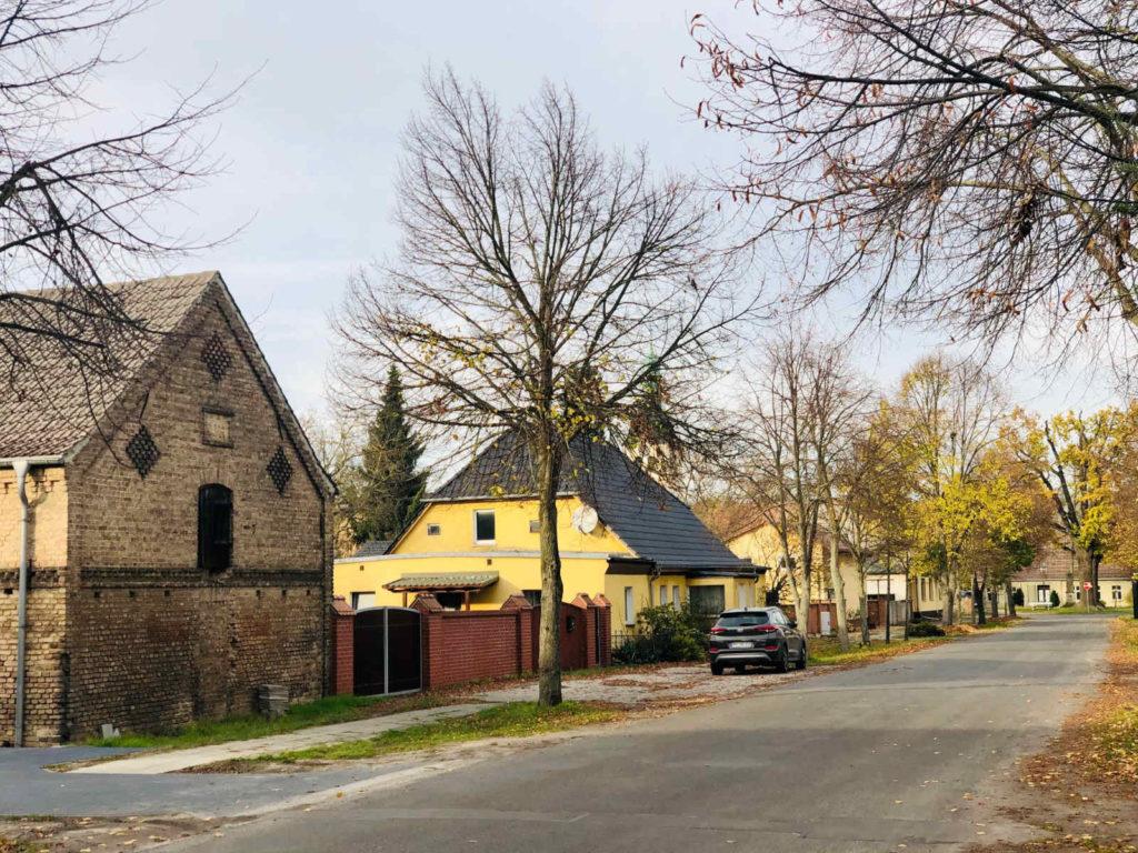 Makler in Jeserig - Unter den Linden