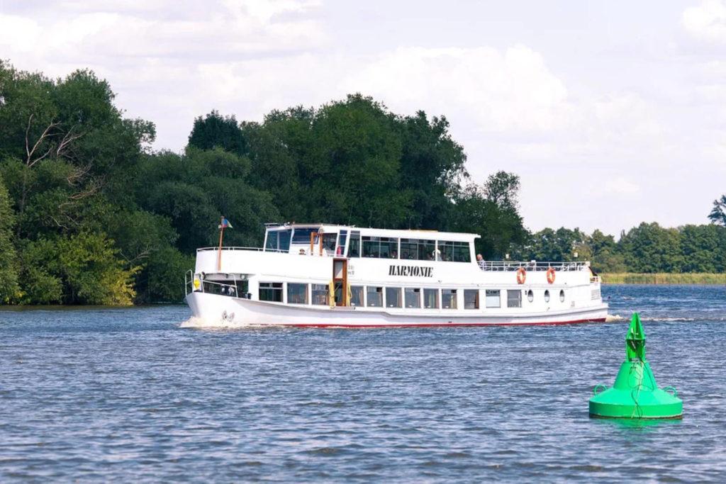 Makler Ketzin - Weisse Flotte auf der Havel