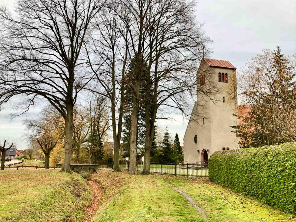 Makler Leegebruch 16767: Kirche