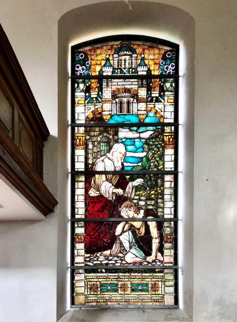 Makler Päwesin 14778 - Glasmalerei Dorfkirche