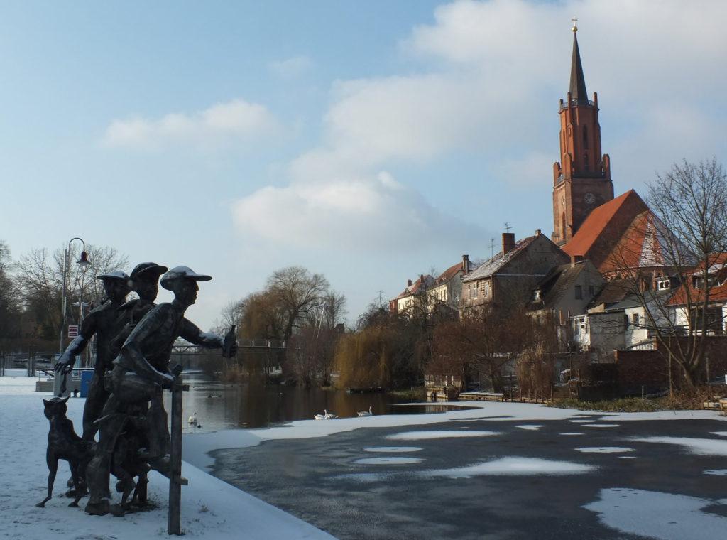 Makler Havelland Rathenow: Die Schleusenspucker vor dem Kirchberg