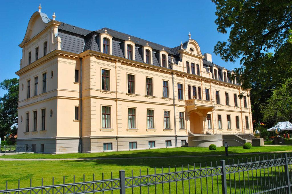 Makler Havelland: Das berühmte Schloss in der Fontanestadt Ribbek
