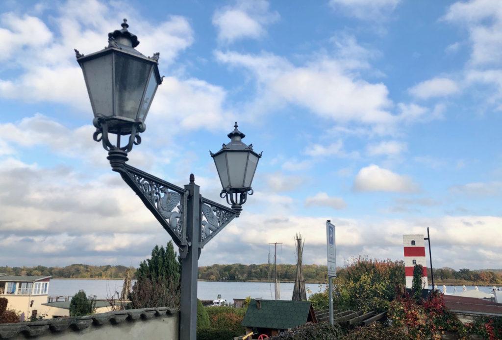 Makler Werder - Uferpromenade auf der Insel