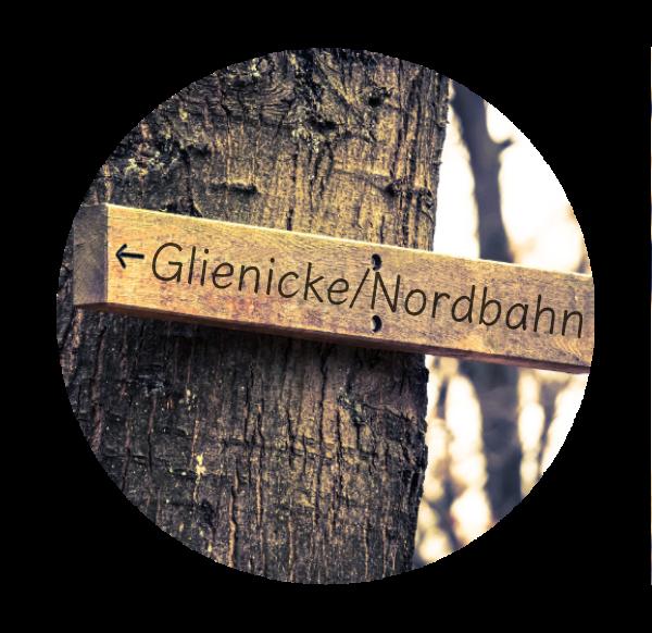 Makler Glienicke/Nordbahn, OHV: Wegweiser
