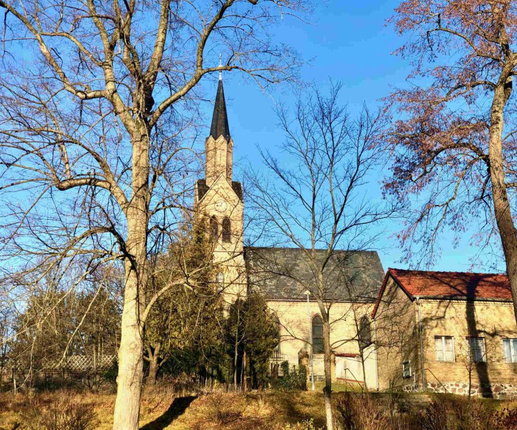Makler Lanke: Kirche