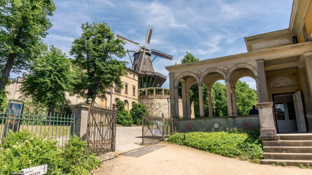 Makler Potsdam - die Windmühle und die Parkanlagen Sanssouci