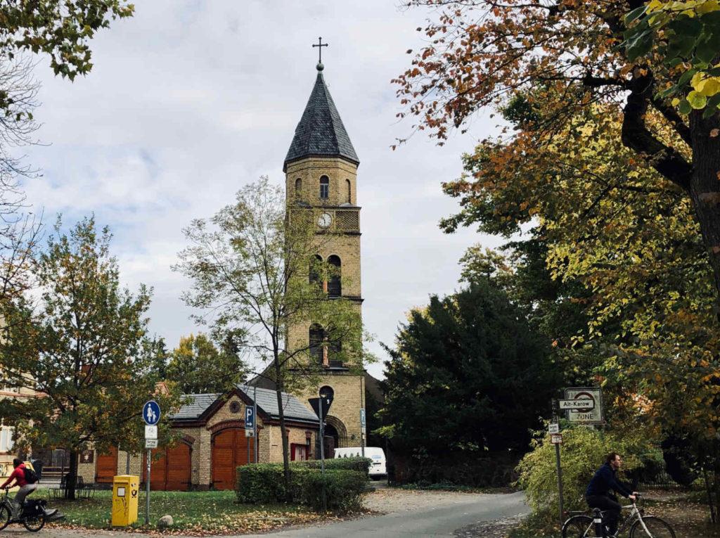 Makler Karow 13125: Dorfkirche