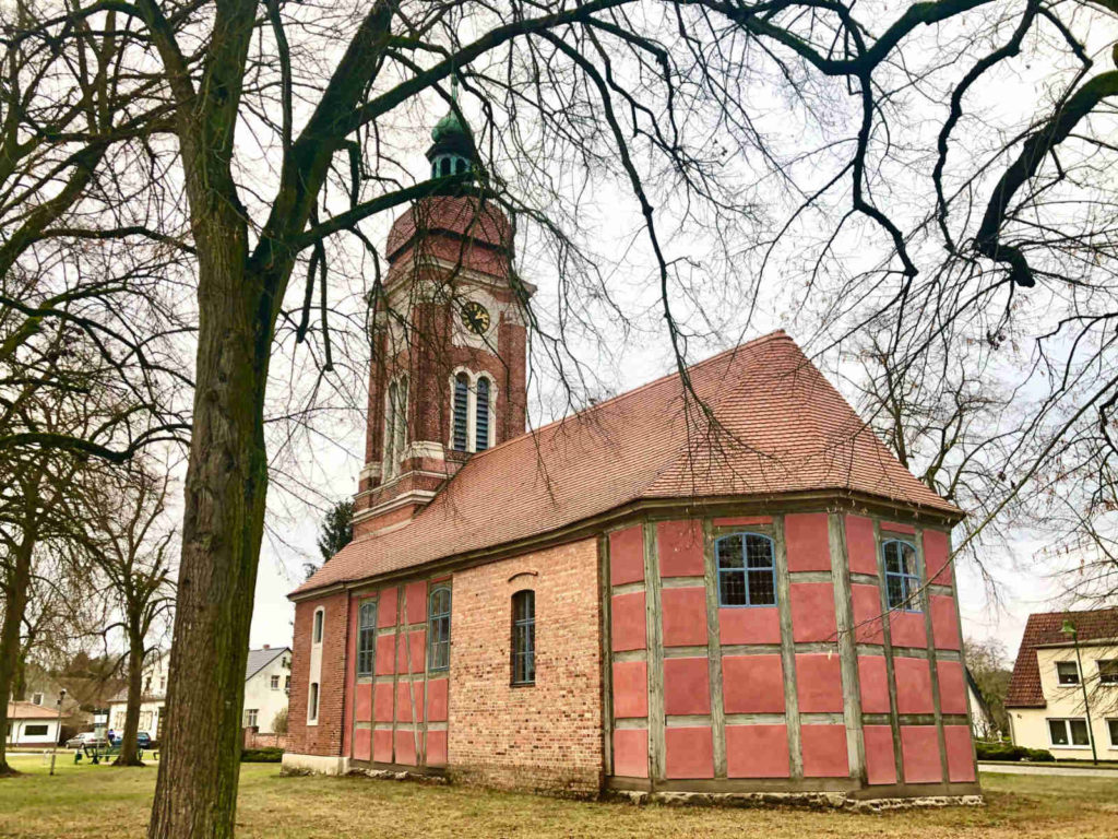 Makler Ferchesar: Dorfkirche