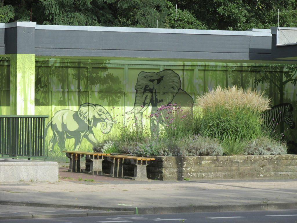 Makler Friedrichsfelde: Eingang des Tierparks