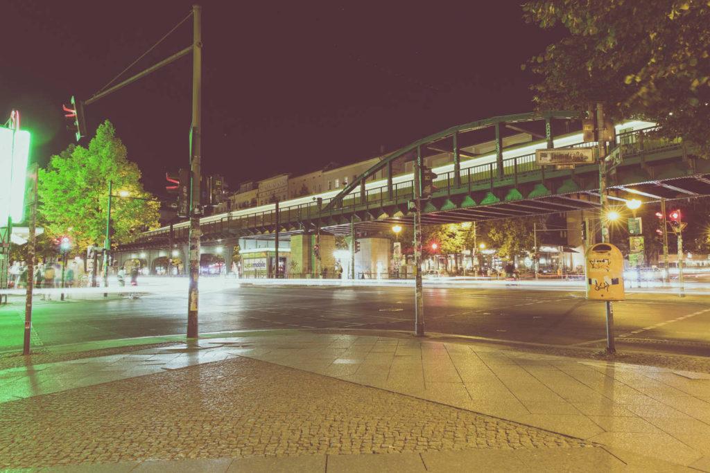 Makler im Prenzlauer Berg: Hochbahn in der Schönhauser Allee