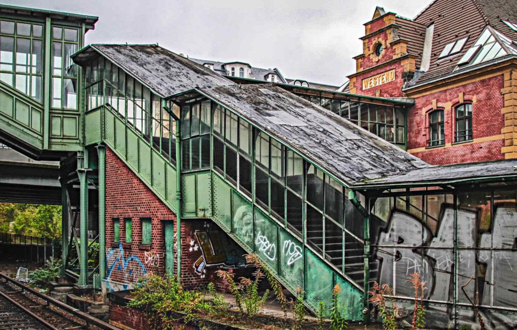 Makler Westend: S-Bahnhof