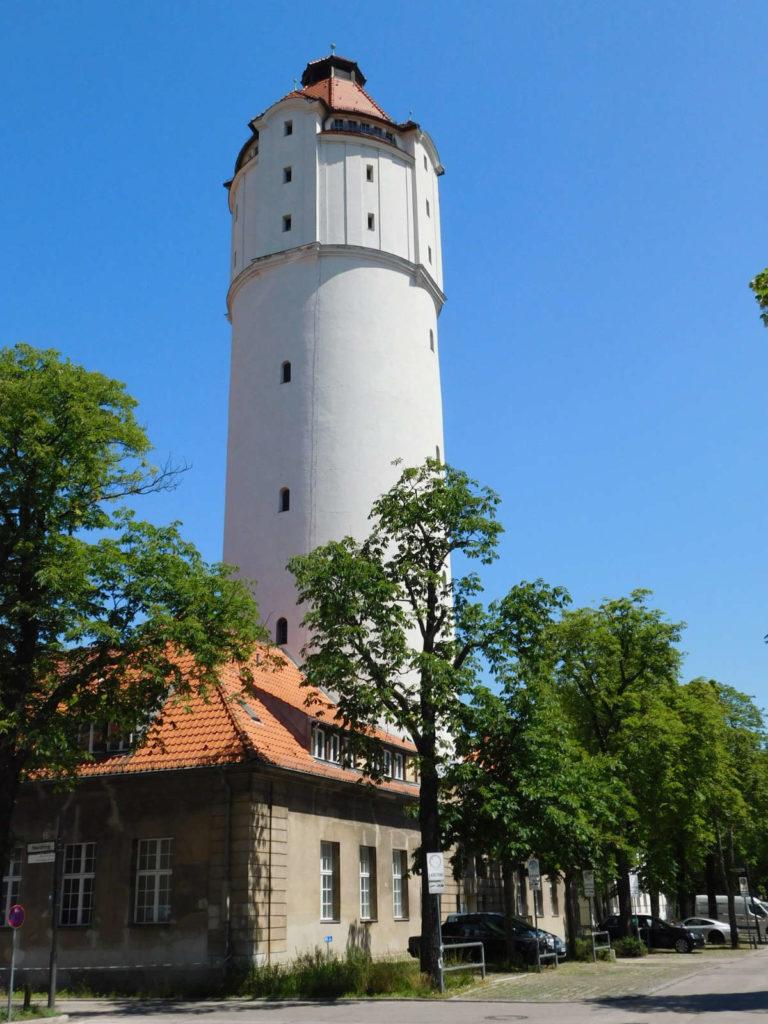 Makler Wedding; Wasserturm mit Kesselhaus im Virchow-Klinikum
