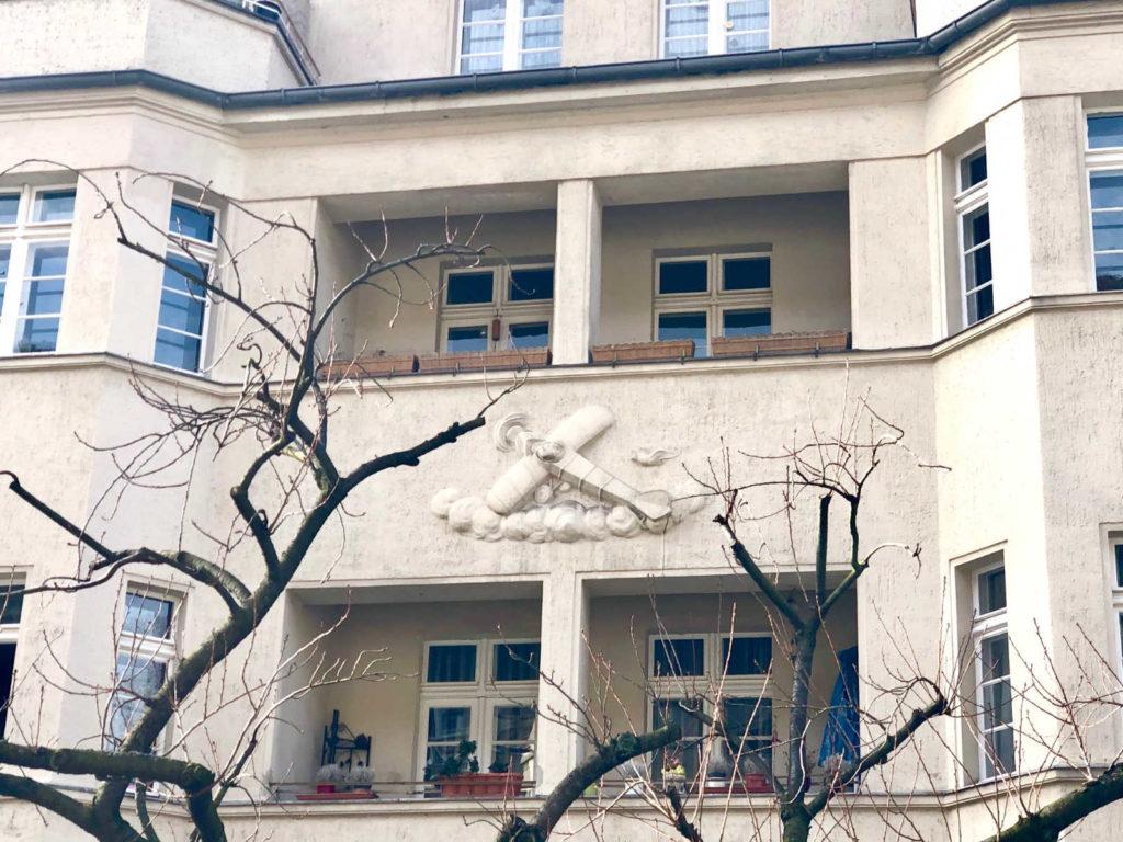 Makler Ceciliengärten, Schöneberg: Straße zum Atelierturm
