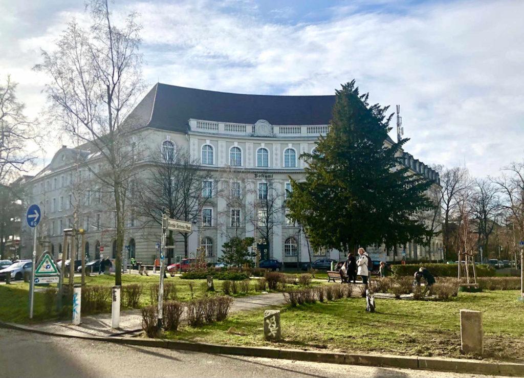 Immobilienmakler für Berlin-Friedenau: Renee-Sintenis-Platz