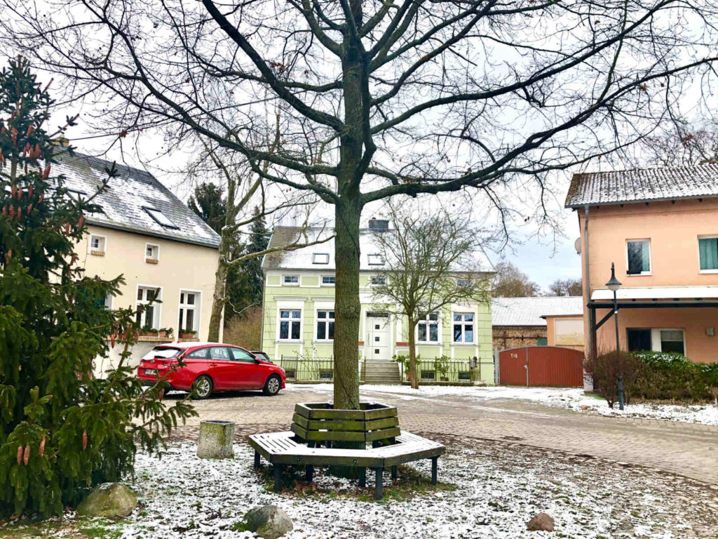 Makler Töplitz: Dorfanger Göttin
