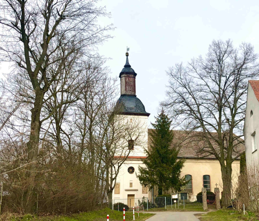Makler Berge: Dorfkirche