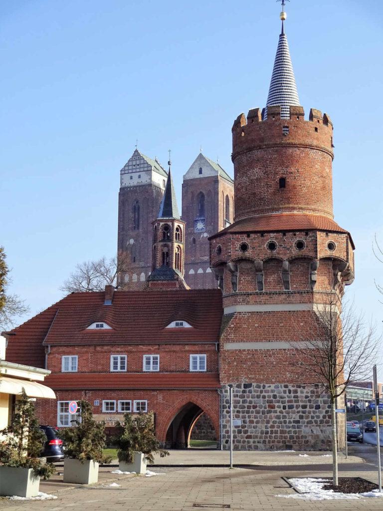Makler Prenzlau: Der Mitteltorturm und die Marienkirche
