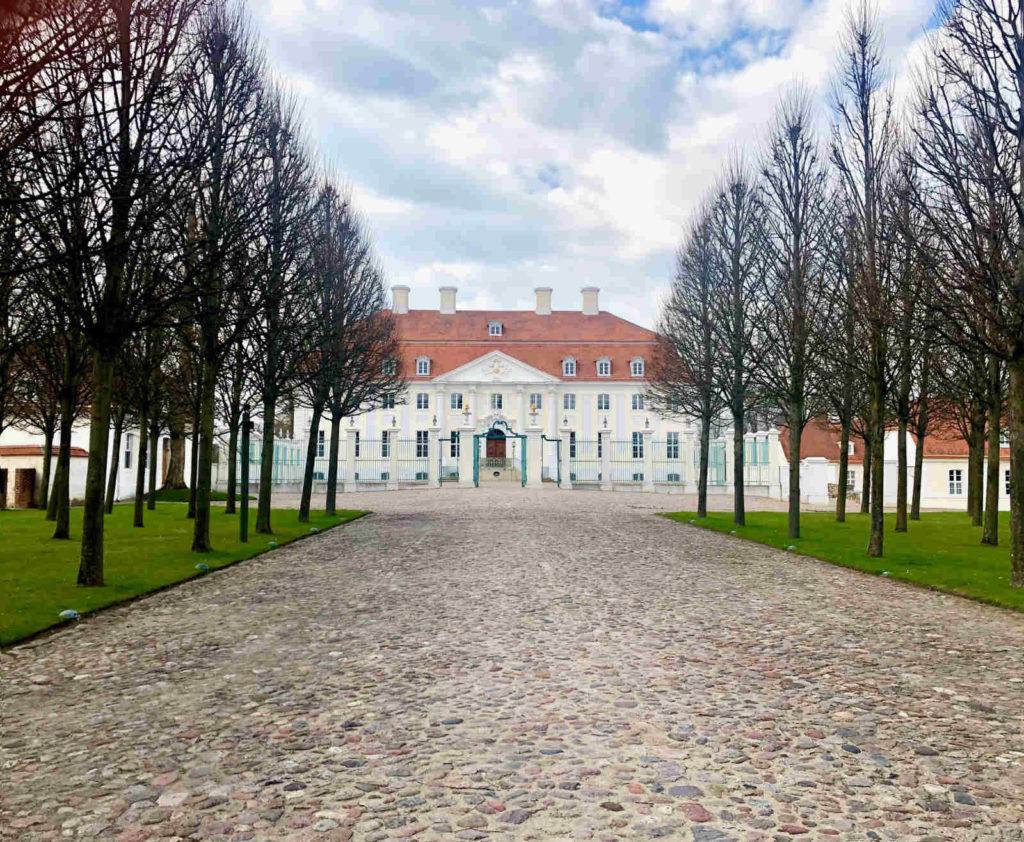 Immobilienmakler Meseberg - Schloss