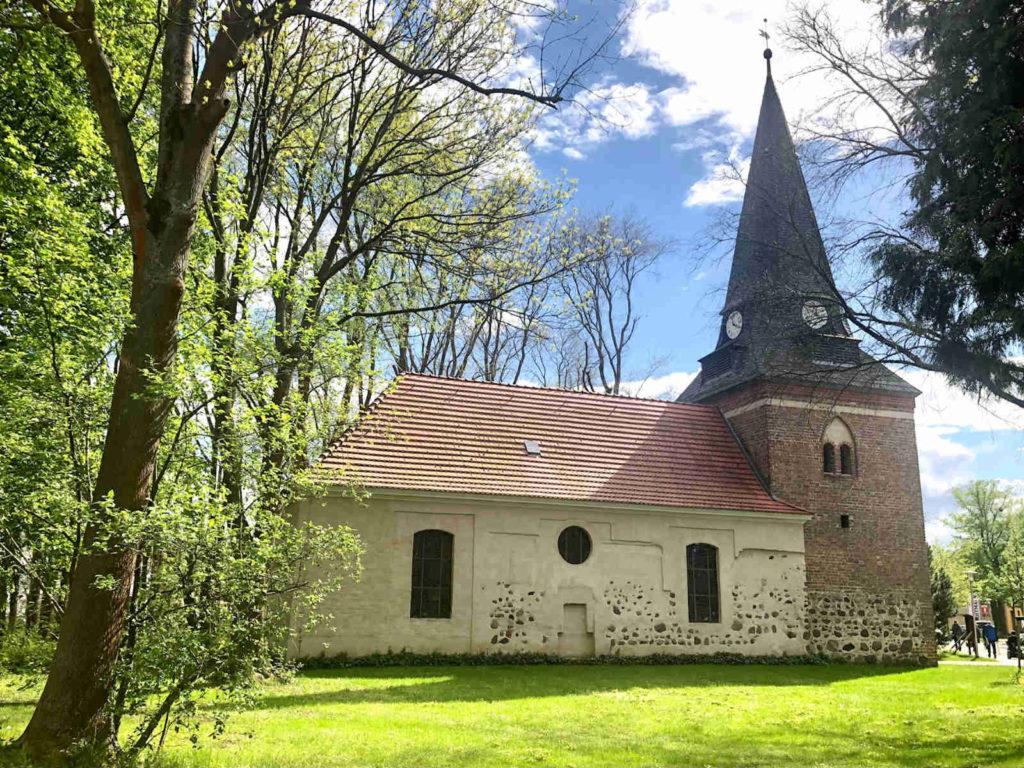 Makler Nieder Neuendorf: Alte Kirche