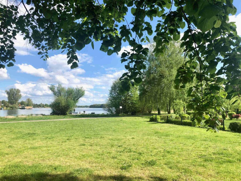 Makler Nieder Neuendorf: Uferpromenade